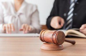 遺産分割とは? 期限や相続割合、弁護士依頼時の費用感も解説(遺産分割協議書見本あり)